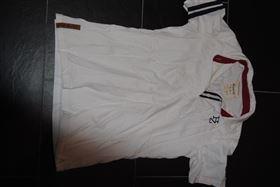 Aldrig brugt hvid t-shirt til salg