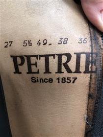 Petrie særdeles velholdte