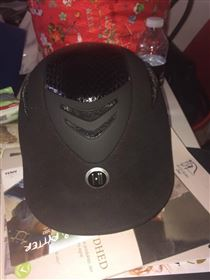 Helt ny hjelm redet med to gange