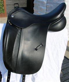 Næsten ny ClinCher dressur sadel
