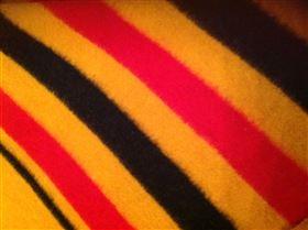GoldenStripe tæppe