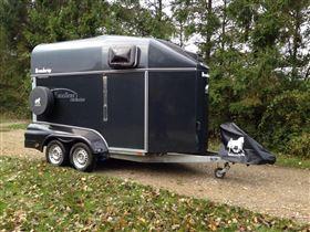 Exclusiv, rummelig og velholdt trailer