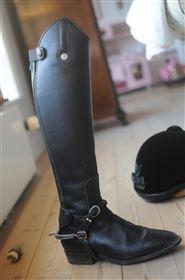 Læderstøvler smal læg og højt skaft