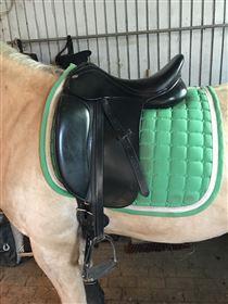 2,5 år gammel Kentaur Young Dressage sadel sælges!